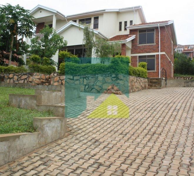 House for rent in Kitende- Entebbe rd
